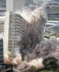 Billionaire Klarman Claims Risks of Collapse Dwarf All Other Factors